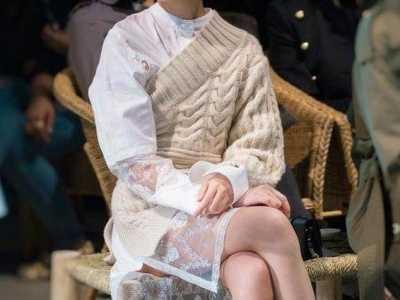 周冬雨评论娜扎 娜扎和周冬雨时装周穿搭对比